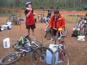 Graeme and Geoff getting ready to go