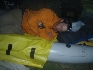 Muz has a snooze whilst we prepare the kayaks