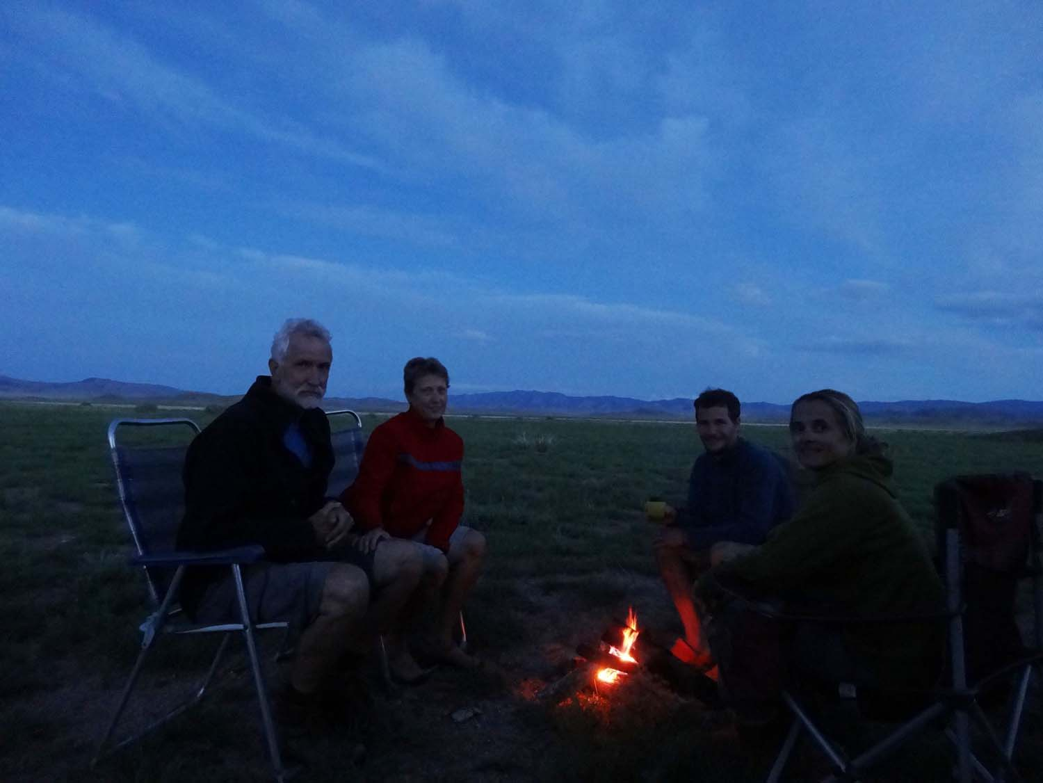 we catch up with Guy, Cheryl, Miles and Marina in the middle of nowhere and enjoy stories by the camp fire