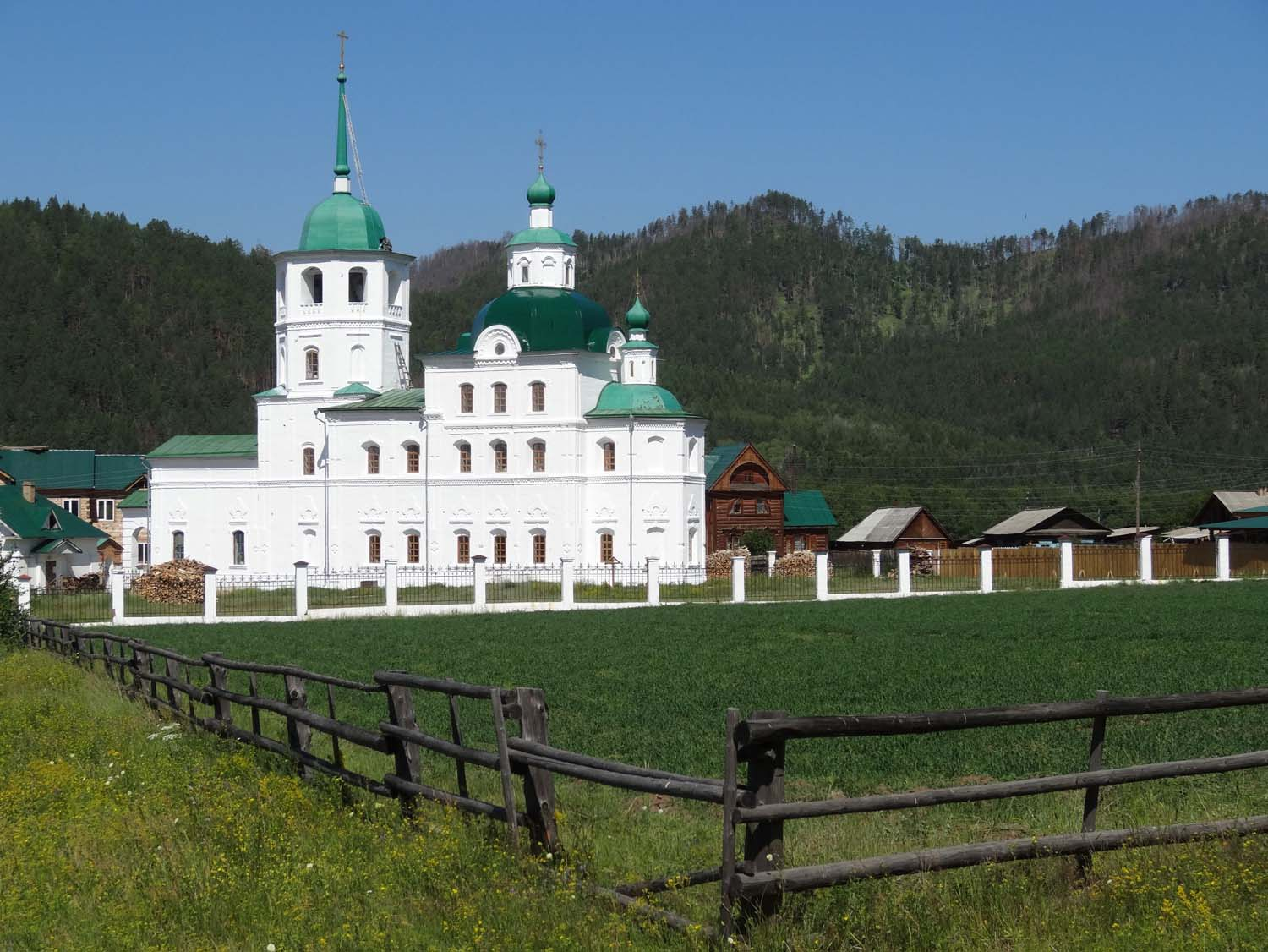 churches instead of temples in Russia