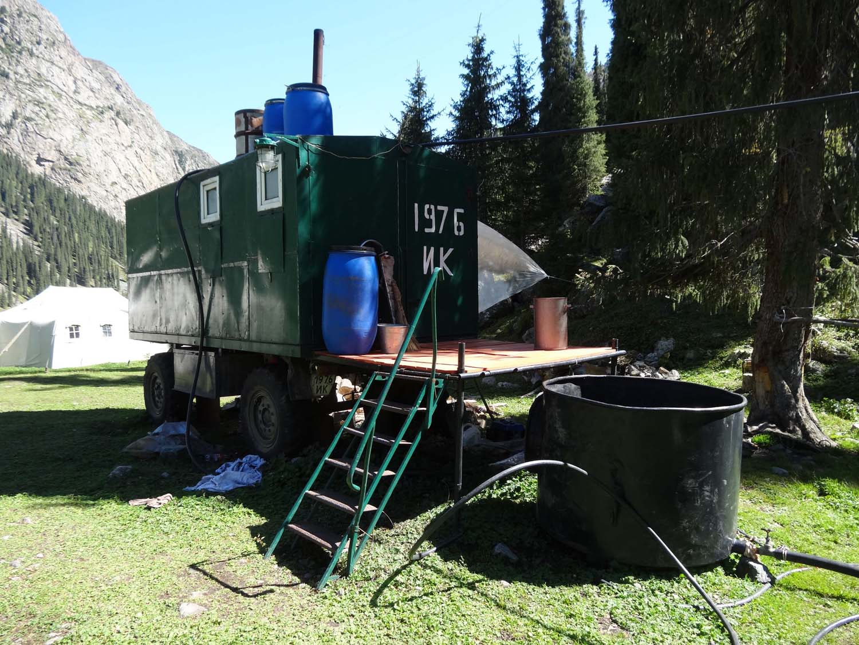 gipsy style wagon turned into a Russian sauna