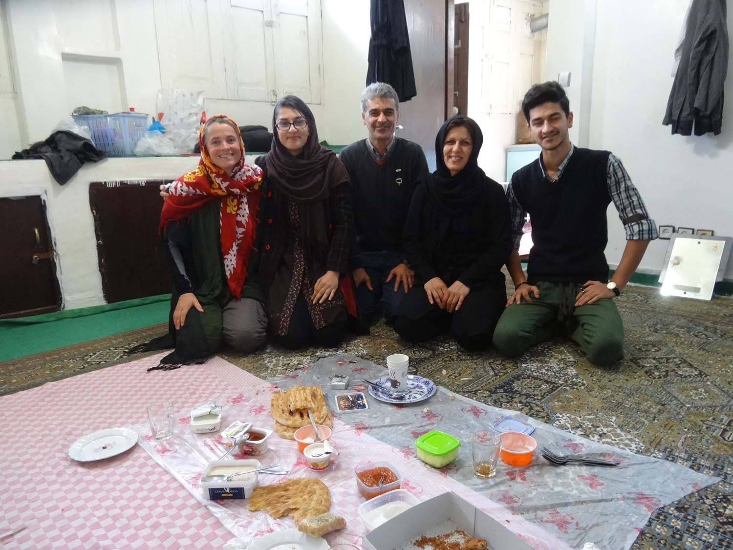 not long after we are joining Assa, Mohammad and their parents for a second breakfast