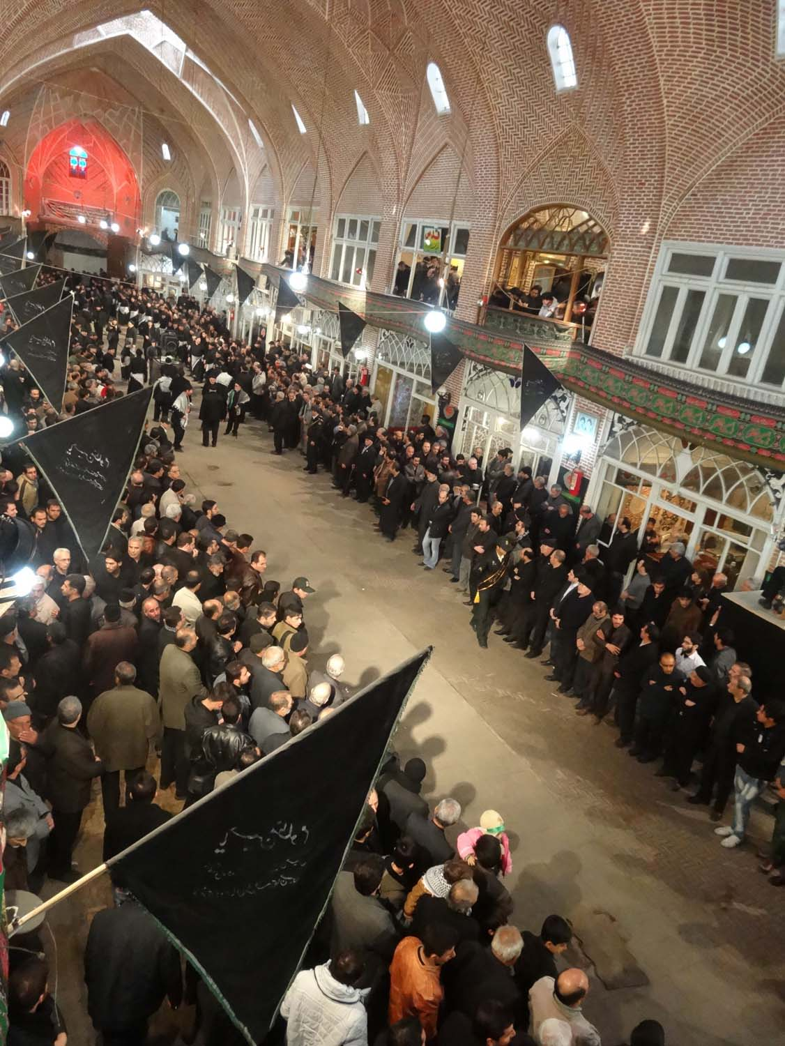 the next group commemorates Imam Hoessein in the spectacular Tabriz bazaar