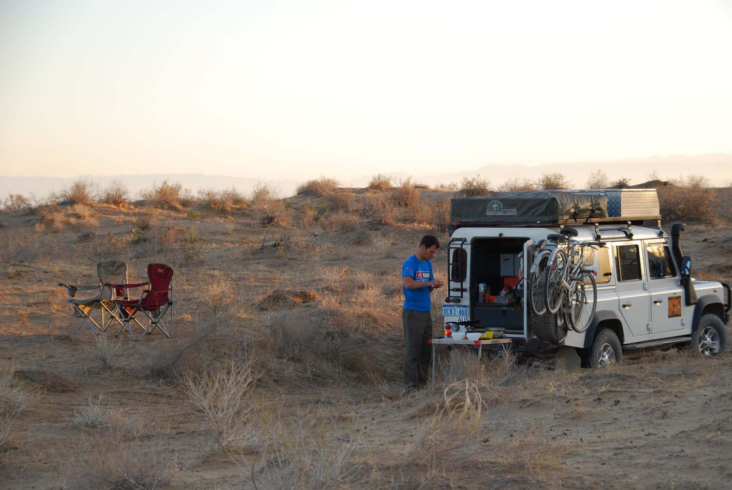 another perfect campsite in the desert north of Ashgabat