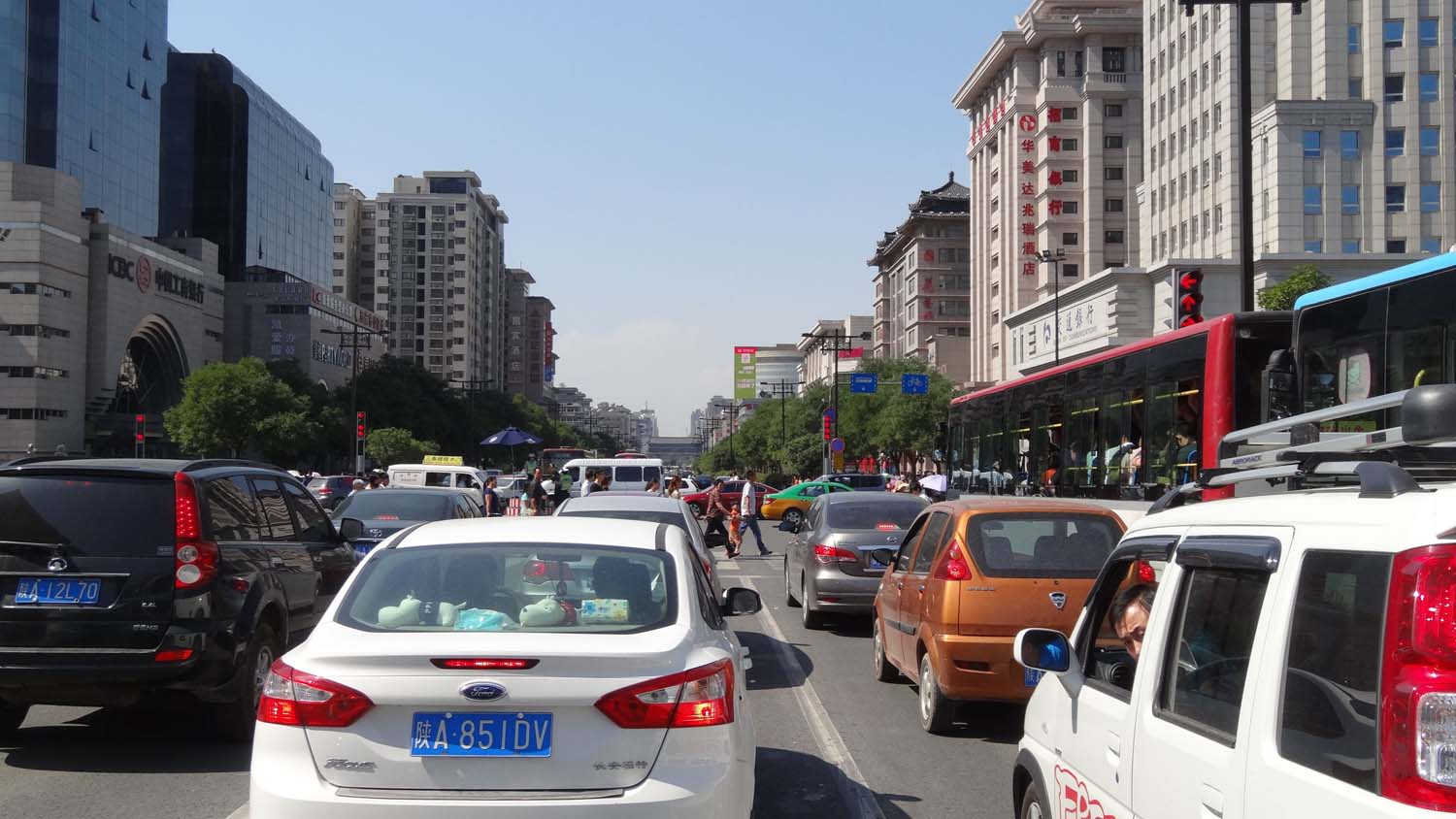 driving in Xi'an - we didn't think the traffic was too bad