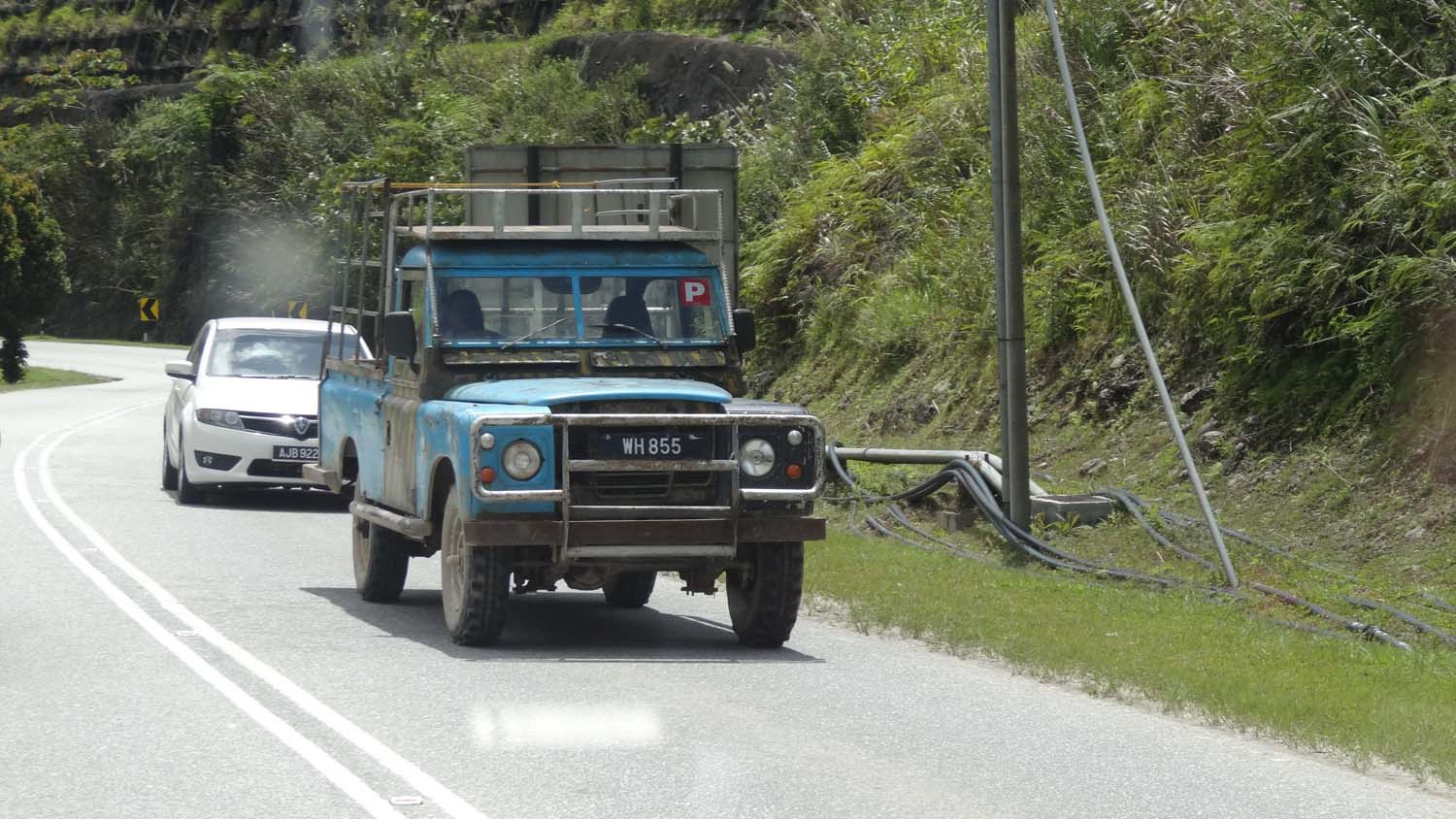 sooooo many land rovers in the Cameron Highlands
