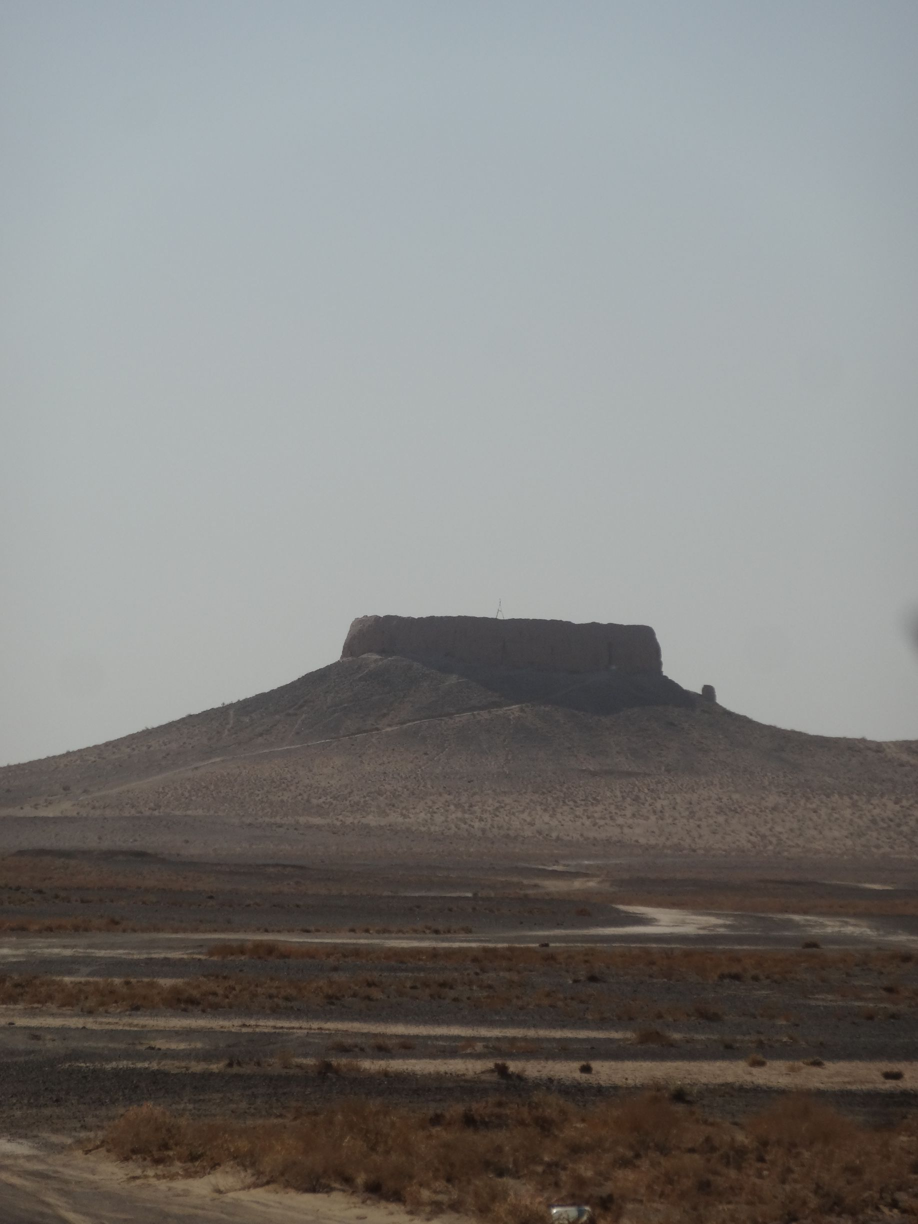 Chilpyk, a zoroastrian dahma (tower of silence)