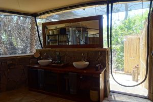 we love outdoor showers, in this room there was also an indoor one, but that remained unused during our stay