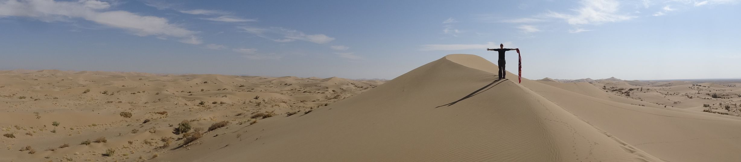 Ballasting sand dunes - without a breath of wind