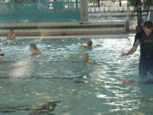 Niels swimming